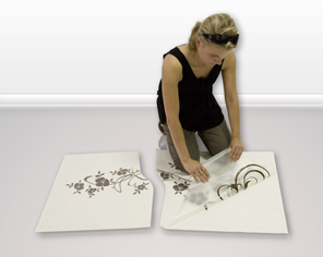 How to attach a sticker to the wall - step 4
