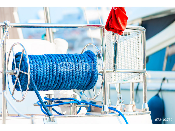 Fototapeta cable reel with a rope on the deck of the ship 64238