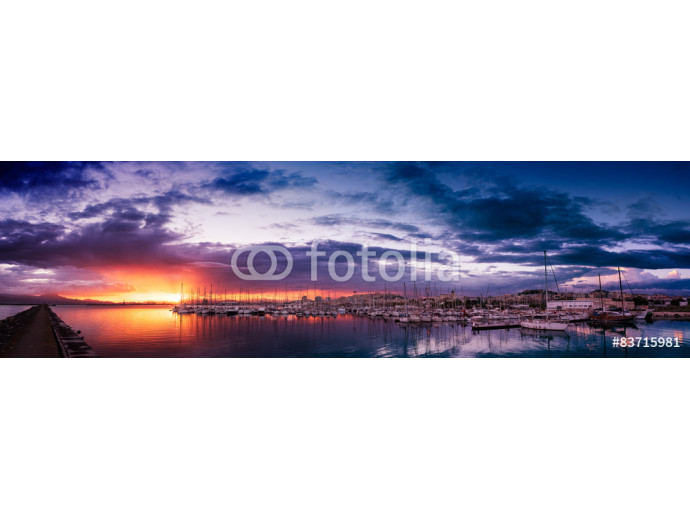 Panoramic view of colorful cloudy sunset in the port of Cagliari 64238