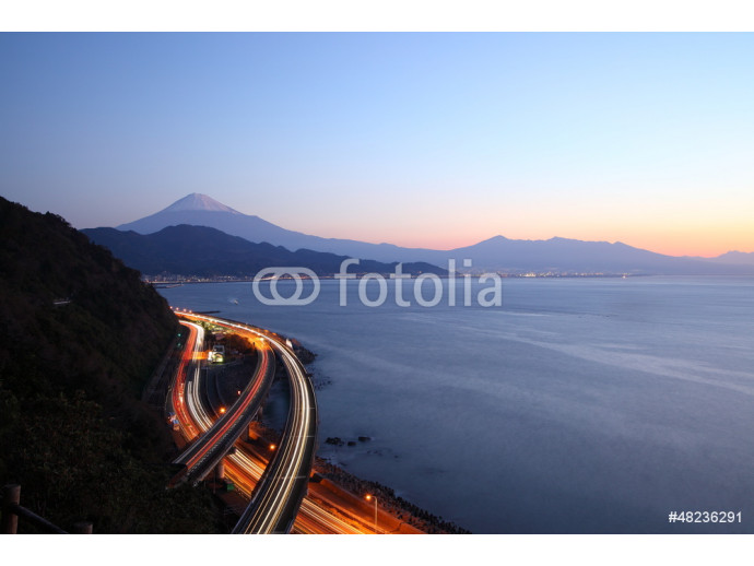 Night view of Mt. Fuji and Tomei Expressway 64238