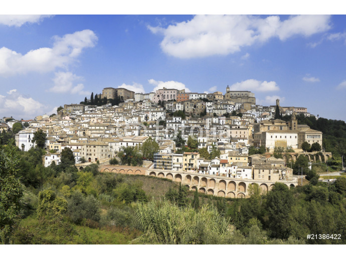 Abruzzo, Italy: medieval  town Loreto Aprutino on top of a hill 64238