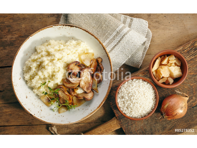 risotto with wild mushrooms 64238
