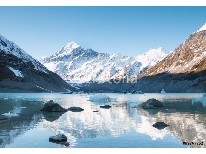 Reflection of mt Cook in Hooker Lake, Aoraki National Park, New 64238