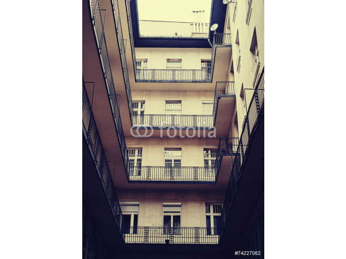 Apartment house 64238