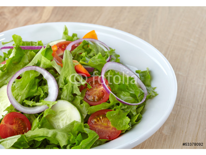 Fresh healthy salad with vegetables 64238