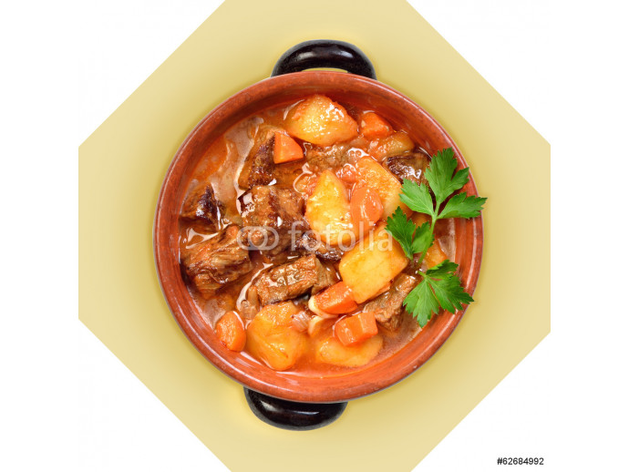 Dish of meat soup with potatoes in ceramic pot. I 64238