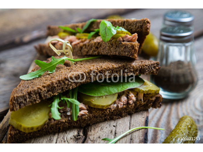 Fototapeta Sandwich with tuna and pickled cucumber 64238