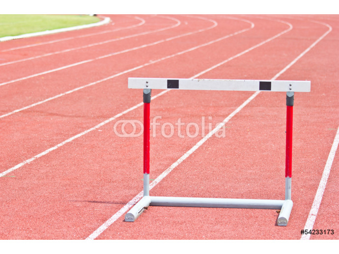Vliestapete hurdles on the red running track 64238