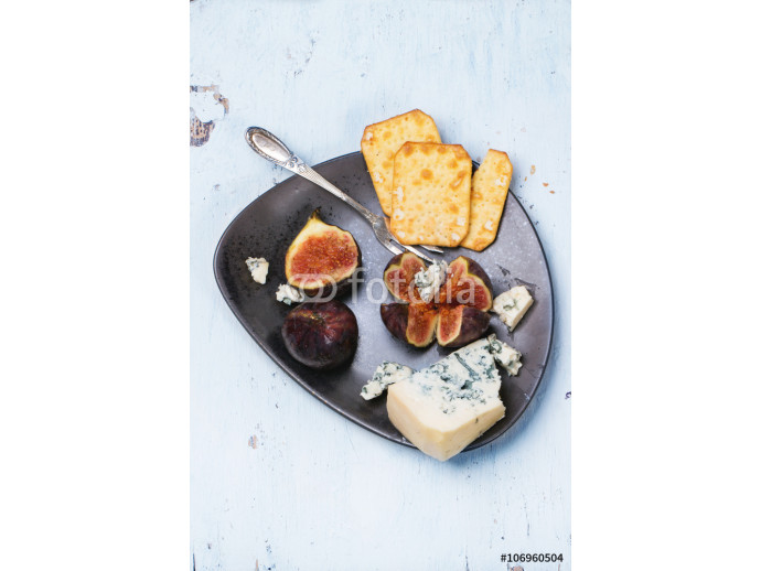 Figs and cheese 64238
