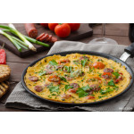 Mens omelette with chorizo 64238