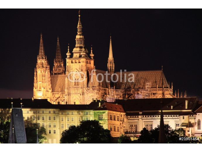 Night Prague with the gothic Castle 64238
