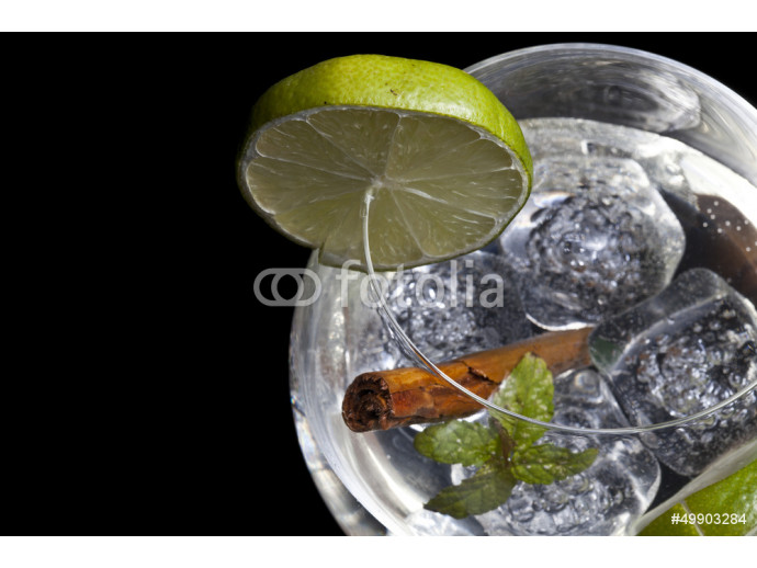 Gin cocktail 64238