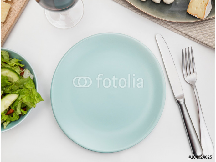 Empty plate on a dining table 64238