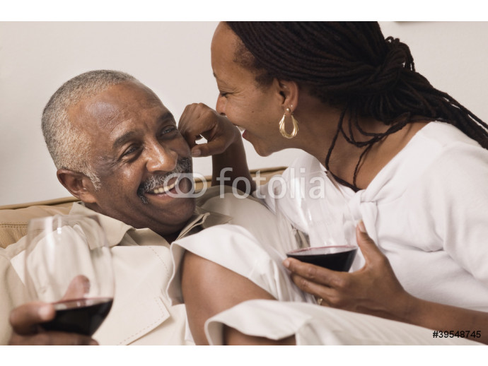 Couple hugging and drinking wine 64238