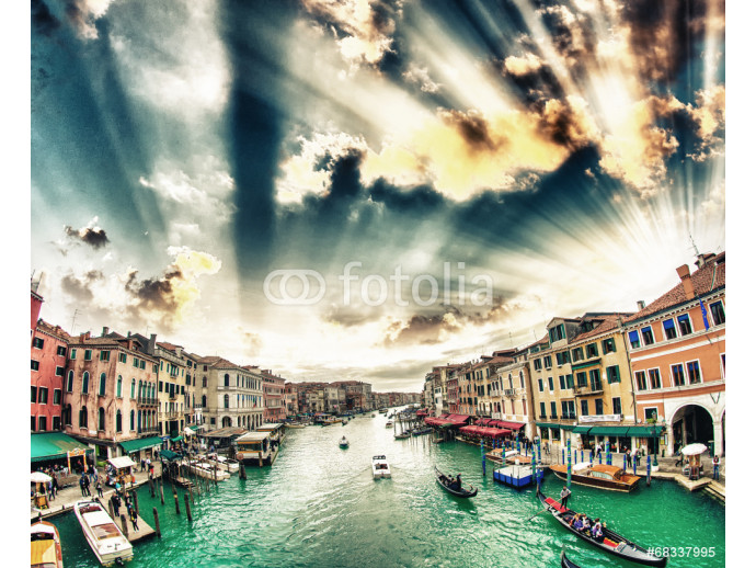 Vliestapete Grand Canal with Venice cityscape and tourists. All recognizable 64238