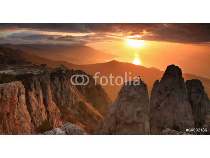 Gold sunrise in the mountains 64238