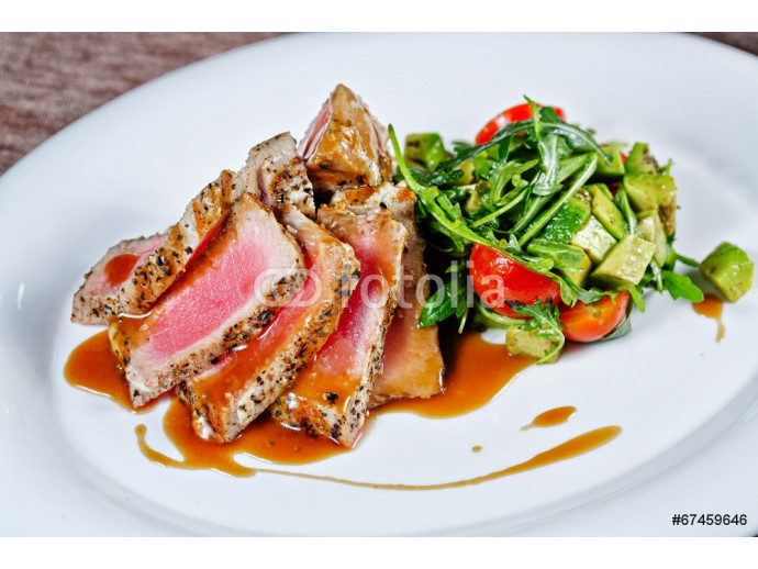 Grilled tuna with vegetables 64238
