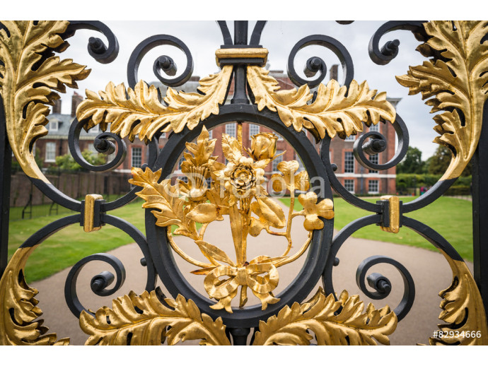 A golden gate in London, Kensington Palace. 64238