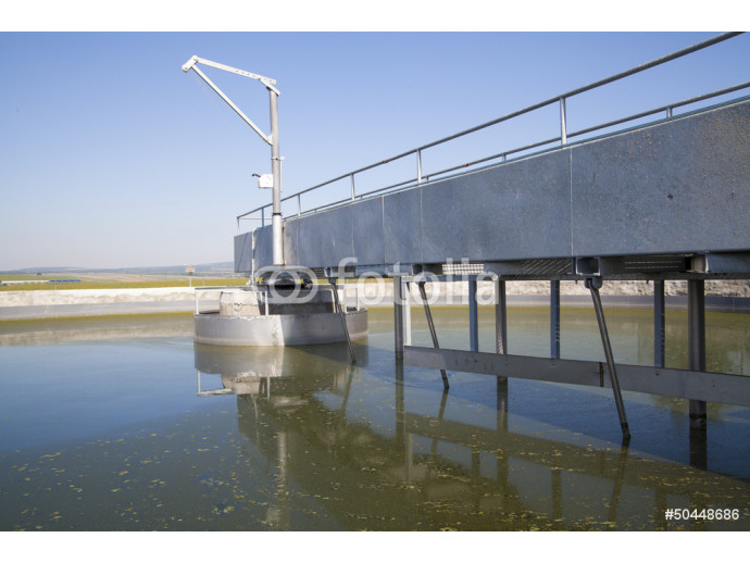 Cleaning construction for a sewage treatment 64238