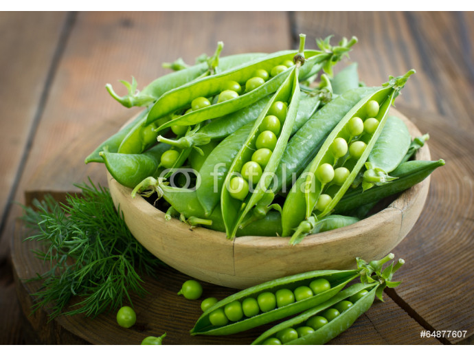 Fresh peas in the bowl 64238