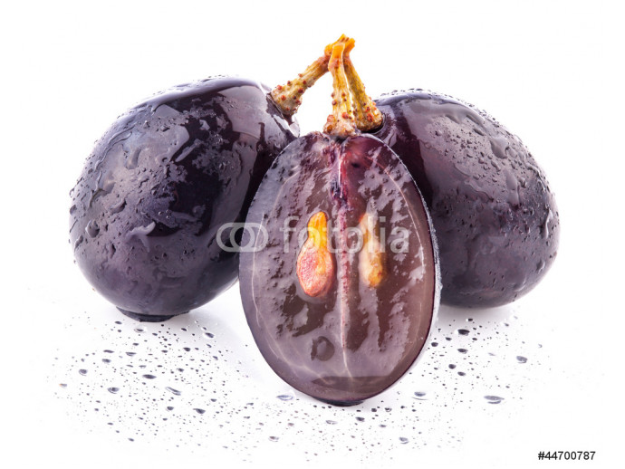Dark grapes, with clipping path Isolated on white background 64238