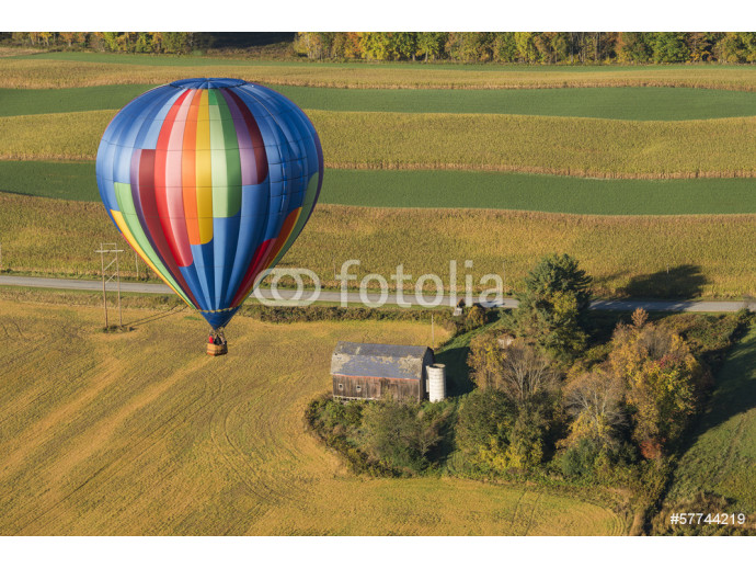 Hot Air Balloon In Flight Over New York 64238