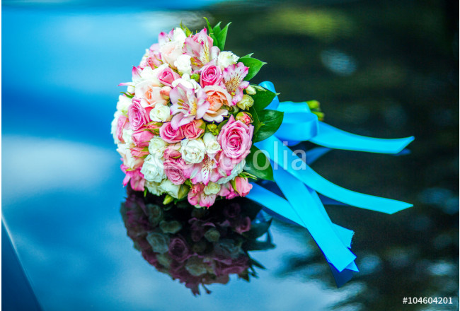 Cuadro decorativo Bouquet on blue with reflection of the sky 64239