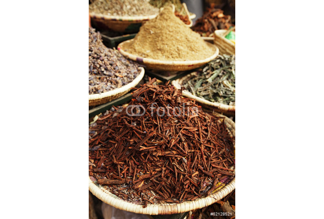 Obraz nowoczesny morrocan herbs flowers spices - cassia barks - in the Marrakesh 64239