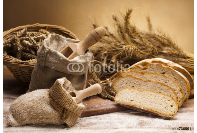 Flour and traditional bread 64239
