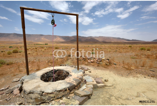 Painting Water well in Sahara Desert, Morocco 64239