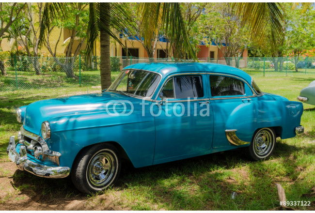 Art painting old taxi in Cuba 64239