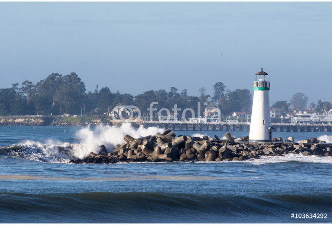 Lighthouse and Ocean Waves 64239