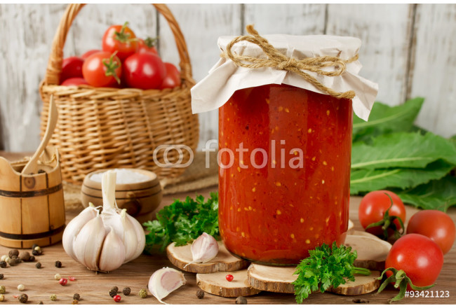 Canned tomato sauce 64239