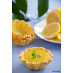 Pets tartlets with lemon cream. 64239