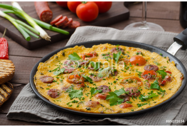 Mens omelette with chorizo 64239