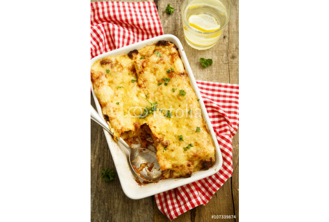 Lasagna with beef and tomato sauce 64239