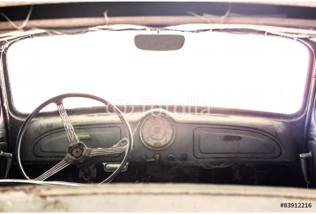 Obraz nowoczesny Interior of a classic vintage old car 64239