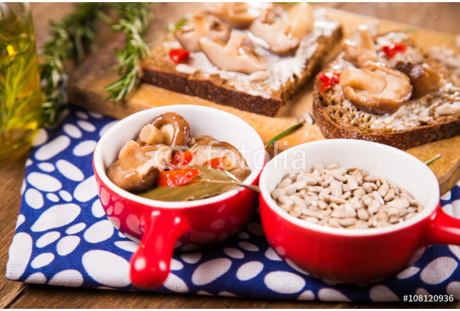sandwich with mushrooms 64239