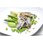 herring with green asparagus and peas 64239