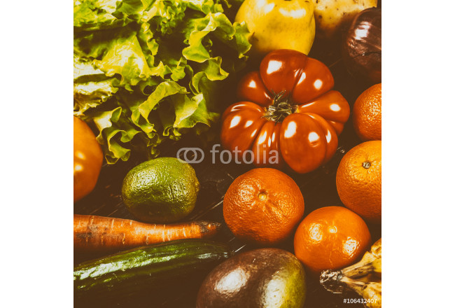 Composition with assorted raw organic vegetables 64239