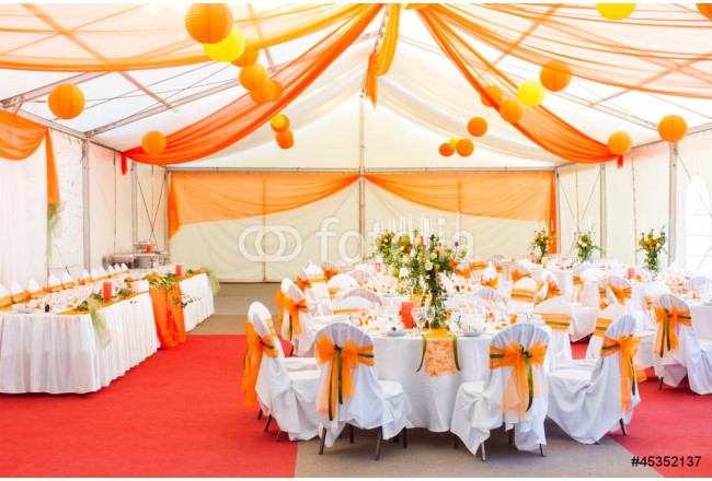 an image of tables setting at a luxury wedding hall 64239