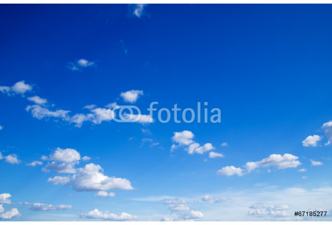 blue sky background with tiny clouds 64239