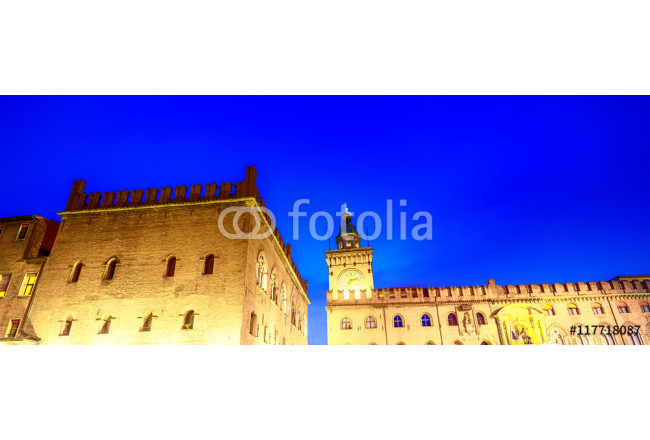 Bild auf Leinwand Ancient medieval buildings of Piazza Maggiore at night, Bologna 64239