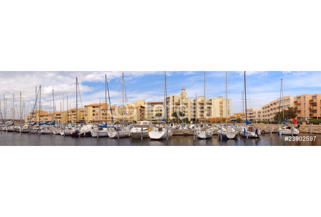 Yacht moorage in a small city 64239