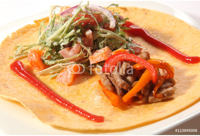 meat and lettuce on a corn tortilla 64239
