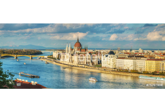 Panoramic overview of Budapest 64239