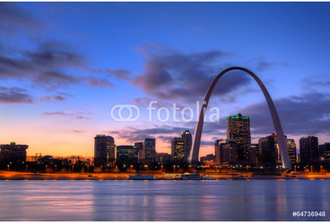 View of the Gateway Arch - St Louis, Missouri 64239