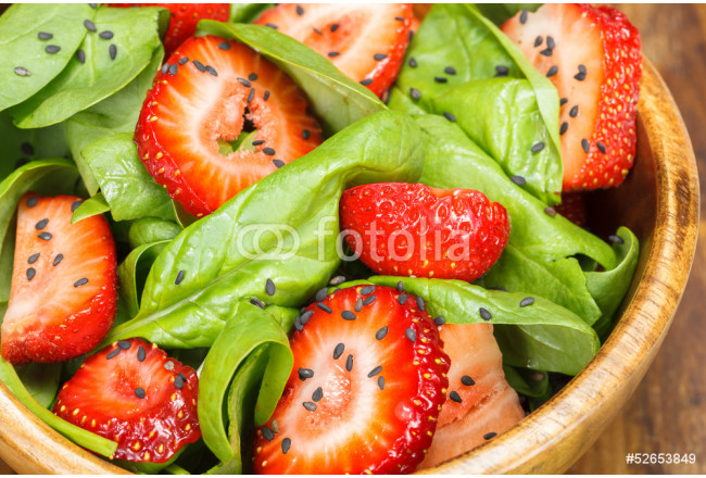 Strawberry Spinach Salad . Close up 64239