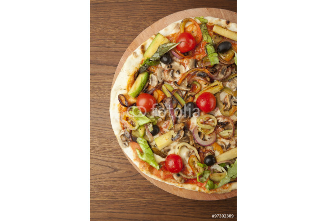 vegetarian pizza with vegetables 64239