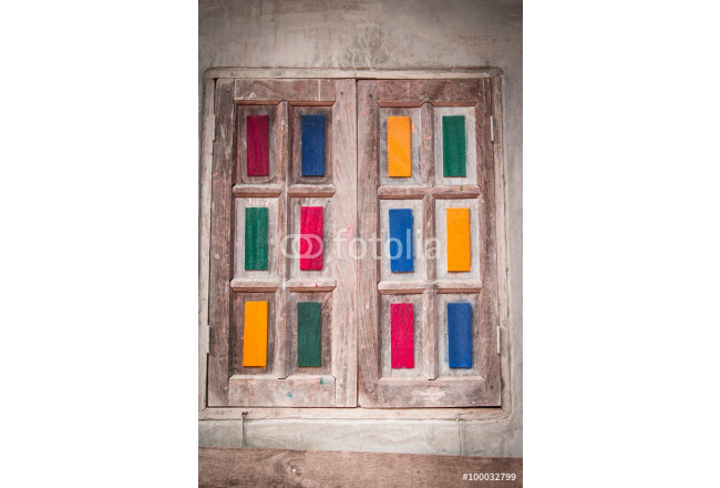 Wooden doors decorated with beautiful colors. 64239